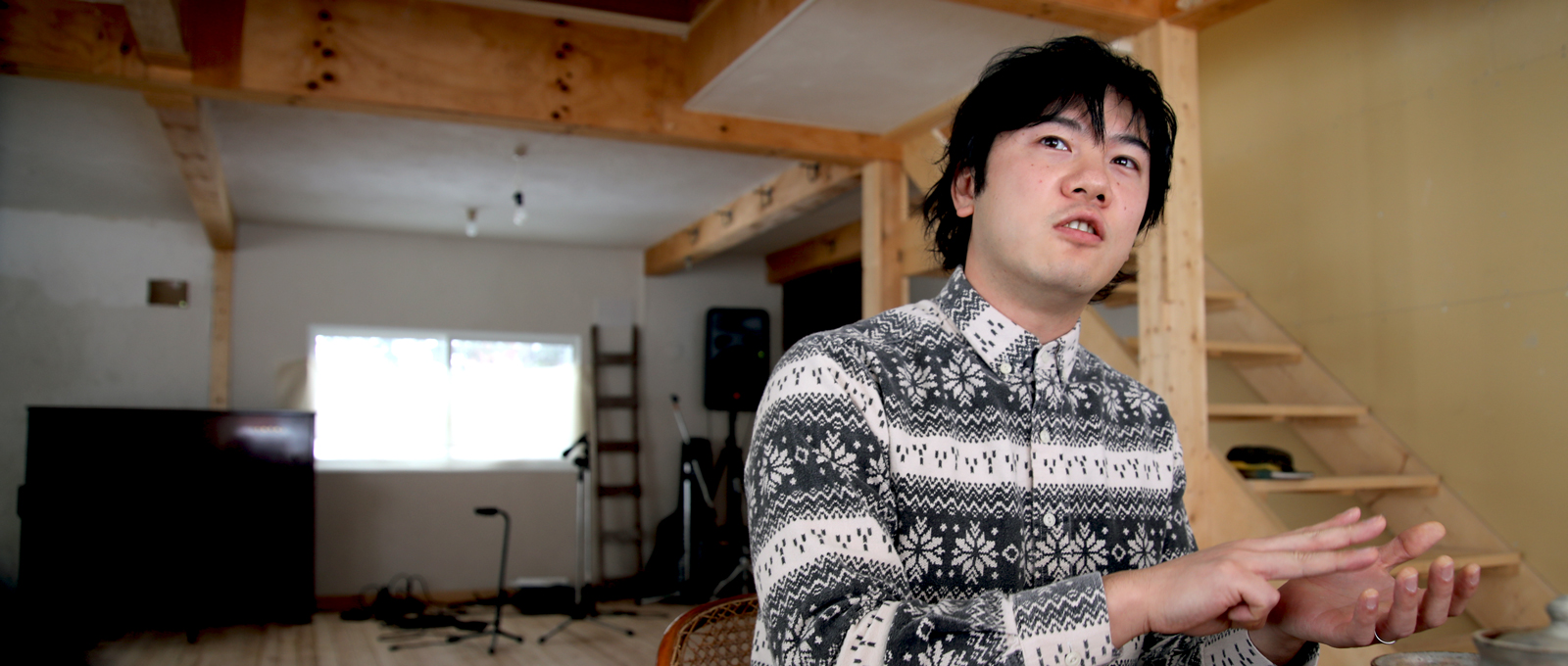 京都の大学へ ギターと共に路上で奏で歌い始める